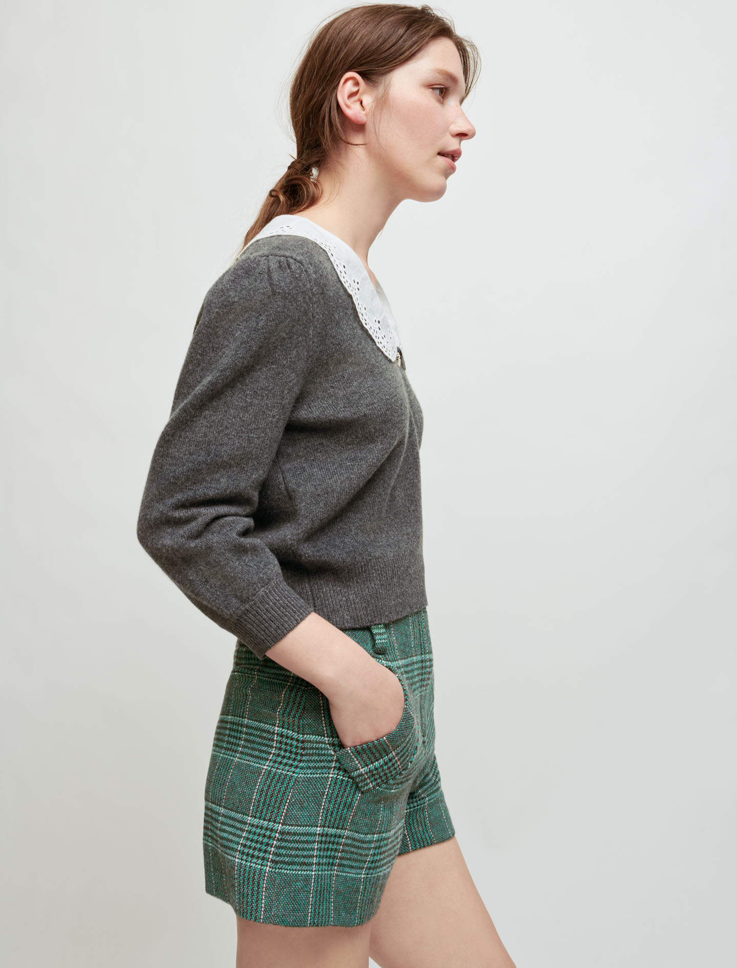 Pullover with broderie anglaise collar - Grey