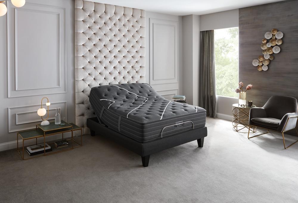 br19-black-luxury-700754766-room.png