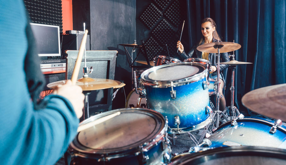The Main Differences Between Buying a Kid Drum Set and a Regular One