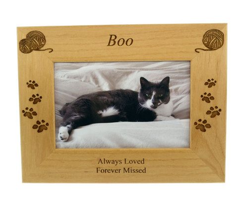 4 Paws Photo Frame - Natural Wood with Yarn Balls