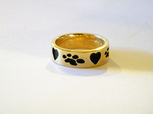 Memory Ring with Recessed Hearts + Paws - Gold