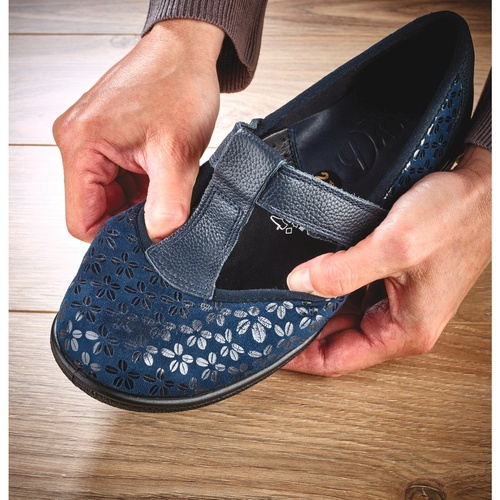 Stretch-To-Fit Shoes
