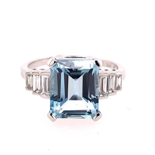 Step Up Aquamarine & Diamond Ring
