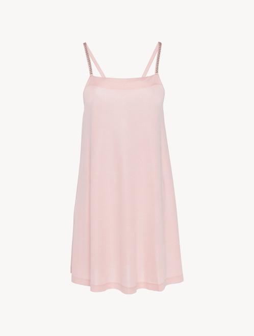 Dress in rose pink