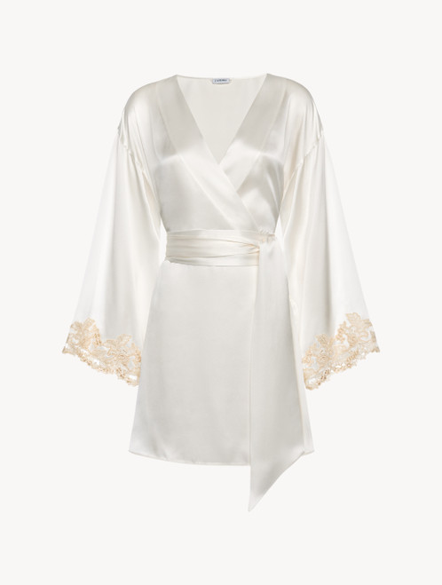 White silk satin short robe with frastaglio