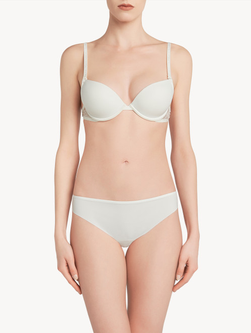 White T-shirt multiway bra with Chantilly lace
