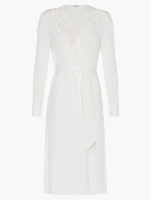 Short robe in white modal stretch with Leavers lace and silk chiffon