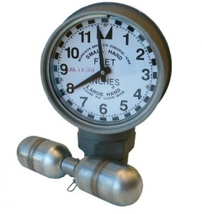 Morrison Bros. 2 in. Female NPT 818 Clock Gauge w/ Standard Float - Feet & Inches