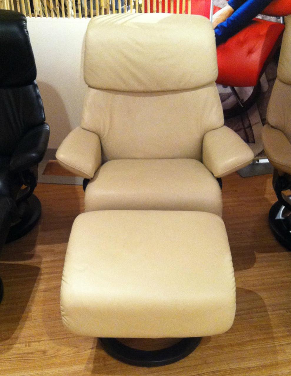 Marvelous Medium Dream Stressless Recliner Display Model Unwind Com Lamtechconsult Wood Chair Design Ideas Lamtechconsultcom