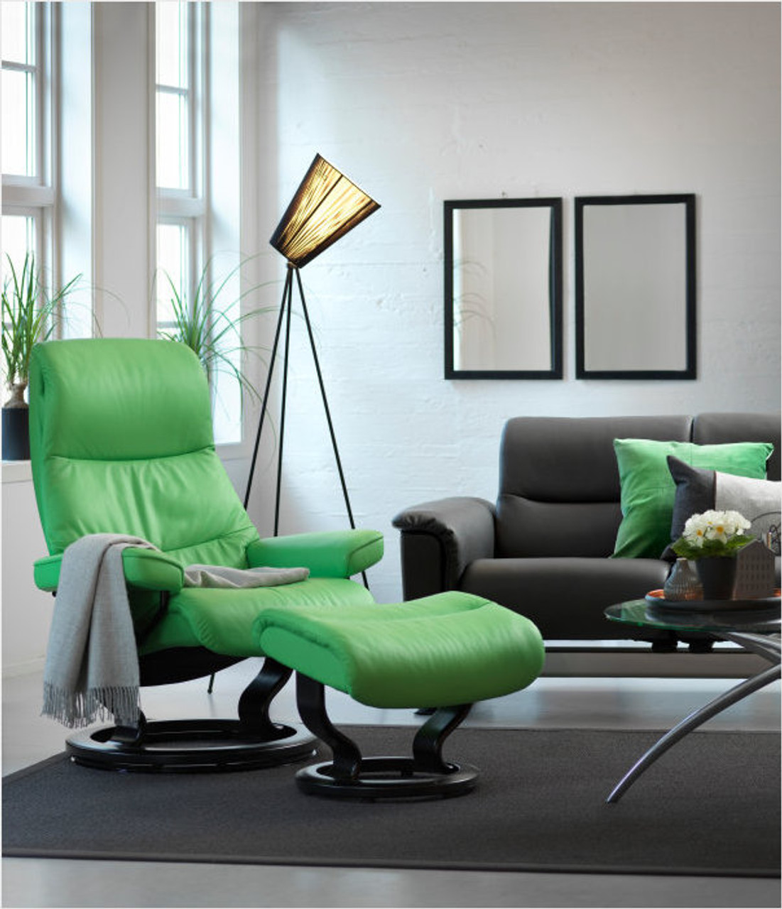 Astounding Stressless View Recliner Medium Classic Base With Ottoman Bralicious Painted Fabric Chair Ideas Braliciousco