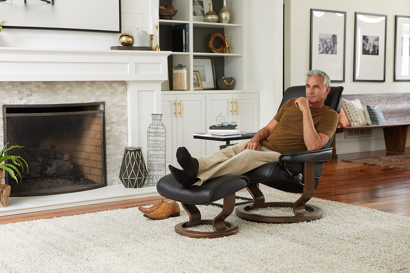 Stressless Admiral Medium Recliner And Ottoman On Sale
