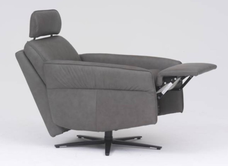 Excellent Himolla Aura Recliner With Integrated Footrest Free Shipping Caraccident5 Cool Chair Designs And Ideas Caraccident5Info