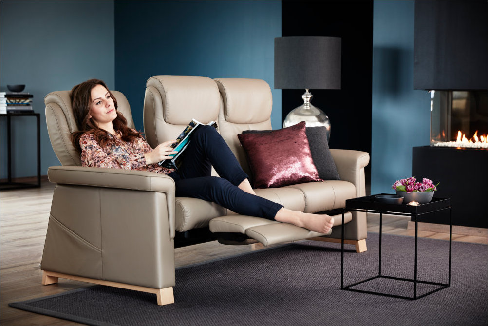 Stressless Breeze 3 Seat Sofa with 3 Seat Leg Comfort Technology.