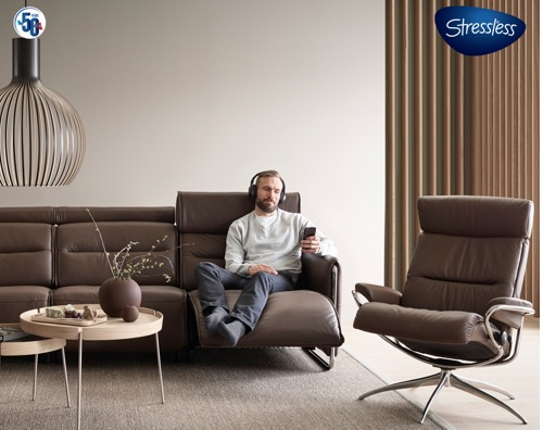 stressless-emily-and-tokyo-and-relaxed-customer-500w.jpg