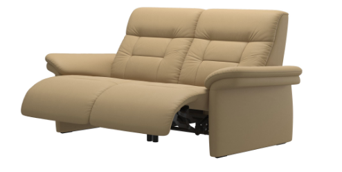 The Stressless Mary Powered Love-Seat by Ekornes in Sand Plaoma.