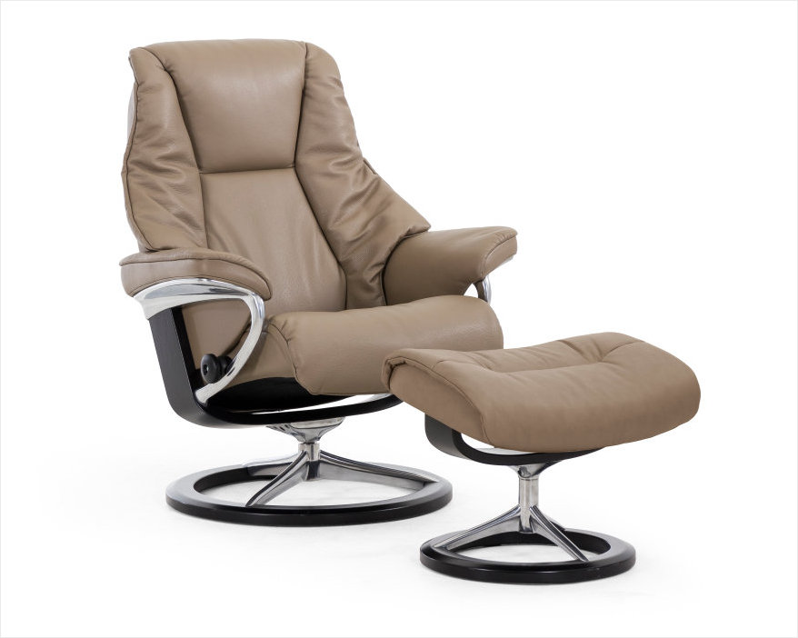 Stressless Signature Recliner- New 2016 Live Series.