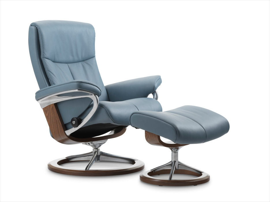 Stressless Signature Peace Recliner by Ekornes.