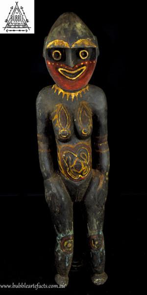 Fine Powerful Female Kwoma Nogwi Figure, Washkuk Hills