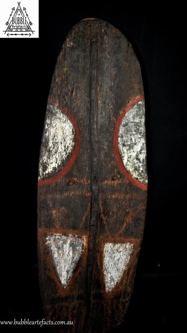 Fine Old Mendi Fighting Shield, Southern Highlands
