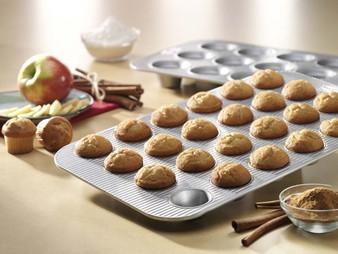 24 Cup Mini Muffin Pan- 15.75x11.12x0.87