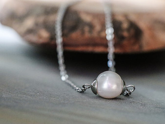 Classy Pearl Necklace