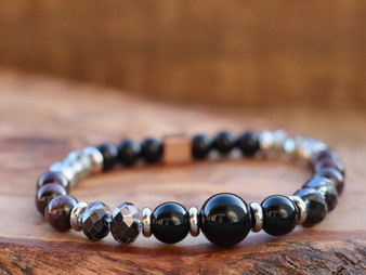 Stronger Than Ever - Onix and Red Garnet Bracelet