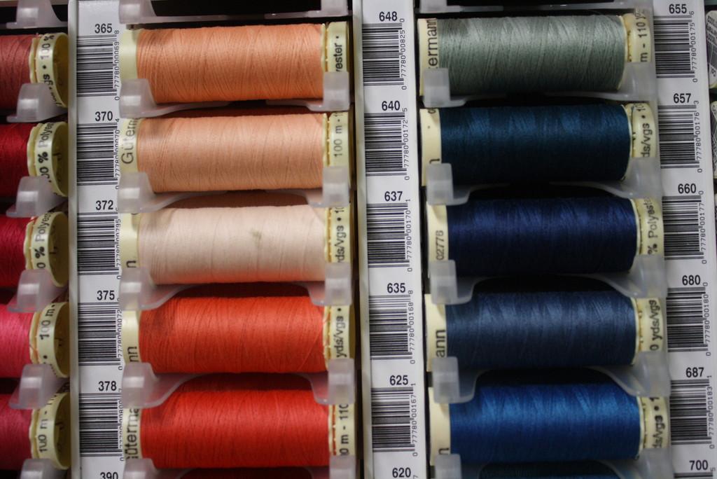 Tea Rose #370 Polyester Thread - 100m