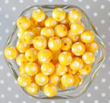12mm Yellow polka dot bubblegum beads
