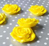 42mm Yellow resin flower beads