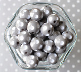 16mm Grey polka dot bubblegum beads