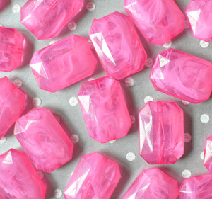 30mm Shocking pink faceted rectangle nugget chunky statement beads