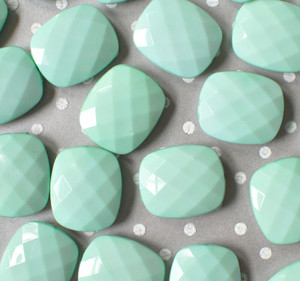 30mm Mint faceted rectangular cushion acrylic beads