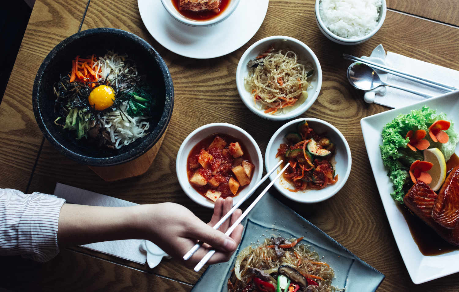 bibimbap-kimchi-and-other-traditional-korean-food-xxl.jpg