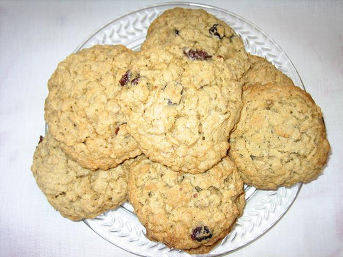Oatmeal and Cherry Cookies