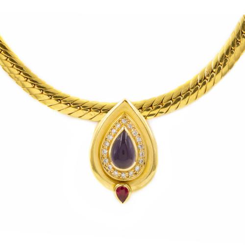 Estate 18k Gold Necklace with Teardrop Pendant   21 grams