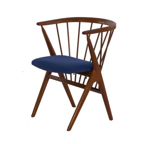 Helge Sibast for Sibast Møbler No. 8 Spindle-Back Arm Chair