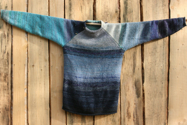 Winter Eve Raglan Pullover Wrapture by Inese