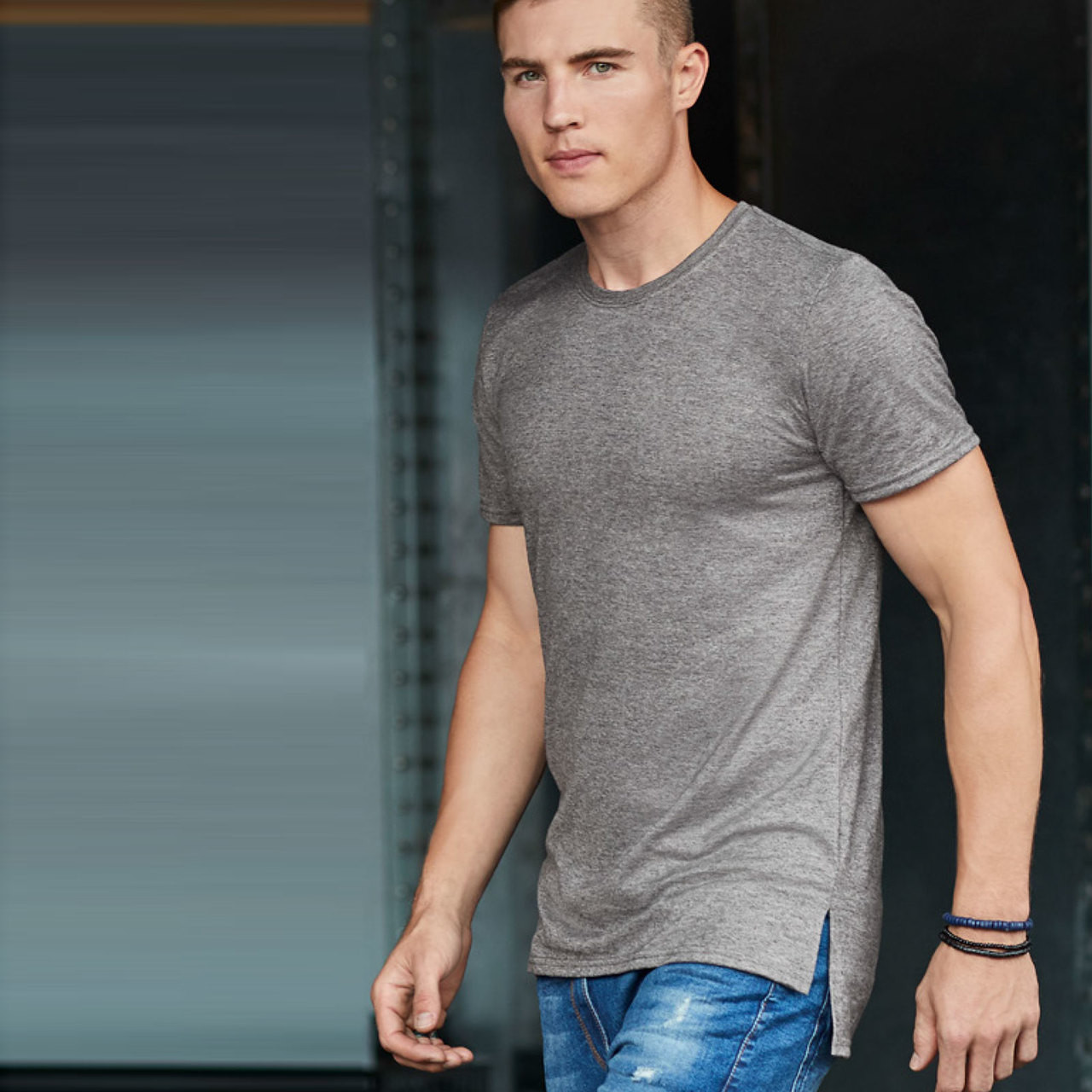 e9f5386f77b7 Anvil Adult Cotton Long & Lean Tshirt - Plain Tshirts Wholesale Online