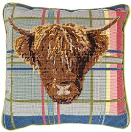 Highland Cow on Tartan 14'' Tapestry Cushion Kit