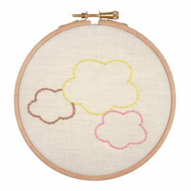 Embroidery Hoop Kit: Dream in the Clouds by Anchor