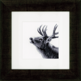 Counted Cross Stitch Kit: Roaring Deer By Vervaco