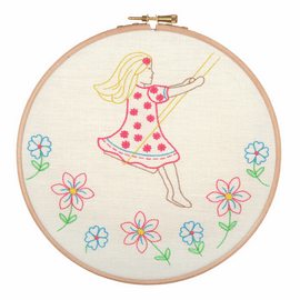 Embroidery Hoop Kit: Summer Days By Anchor