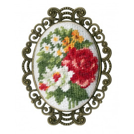 Vintage Brooch Cross Stitch Kit by Golden Fleece