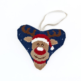 Rudolph Heart Tapestry Kit By Cleopatra