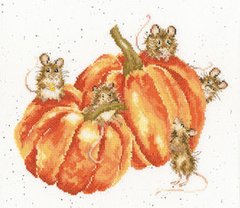 Pumpkin, Spice And All Things Mice Cross Stitch Kit by Bothy threads