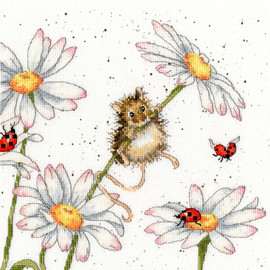 Daisy Mouse Cross Stitch Kit by Bothy Threads