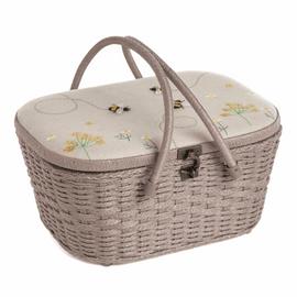 Wicker Basket: Appliqué: Linen Bee Sewing Basket