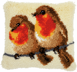 Robins Latch hook kit cushion by Vervaco