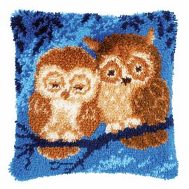 Cuddling Owls Latch hook kit cushion By Vervaco