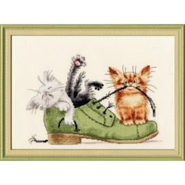 Kittens In A Shoe Cross Stitch Kit By Golden Fleece